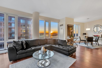 Corner 3 Bedroom At The Visionaire With Direct River and Statue of Liberty Views